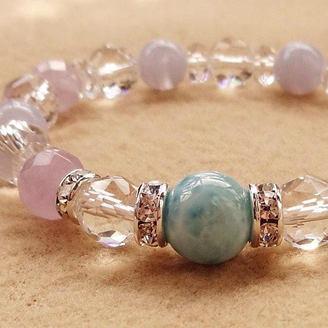 ラリマー(高品質)を使用したブレスレット|愛と平和の象徴|世界三大ヒーリングストーン|ドミニカの宝石